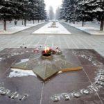 ДУХОВНОЕ ВЫРОЖДЕНИЕ И ОБНИЩАНИЕ  РОССИИ