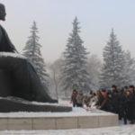 КОММУНИСТЫ В АБАКАНЕ ПОЧТИЛИ ПАМЯТЬ ОСНОВАТЕЛЯ СССР