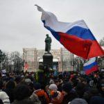 НЕЗАКОННО МИТИНГУЮЩИХ В РОССИИ БУДУТ ОТПРАЛЯТЬ В  НИЩЕТУ