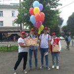 Коммунисты Абакана поздравили школьников с началом учебного года