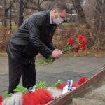7 ноября у памятника «Сыновьям Хакасии, погибшим в локальных войнах» состоялась церемония возложения цветов в знак памяти солдат и офицеров, погибших в локальных войнах и вооруженных конфликтах.