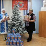 Коммунисты ХРО КПРФ совместно с Женским Союзом «Надежда России» подготовили новогодние подарки детям