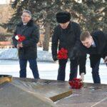 Уважаемые друзья, поздравляю вас с Днём создания Красной армии и Днём защитника Отечества!