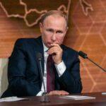Принудительная вакцинация провалилась: Путин меняет стратегию